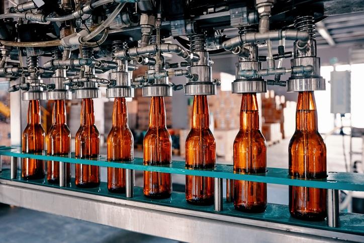 beer-bottles-being-filled