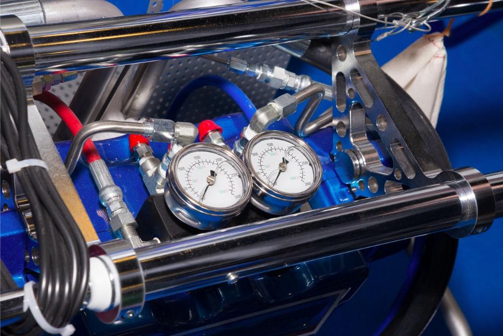 industrial-air-compressor-in-shop